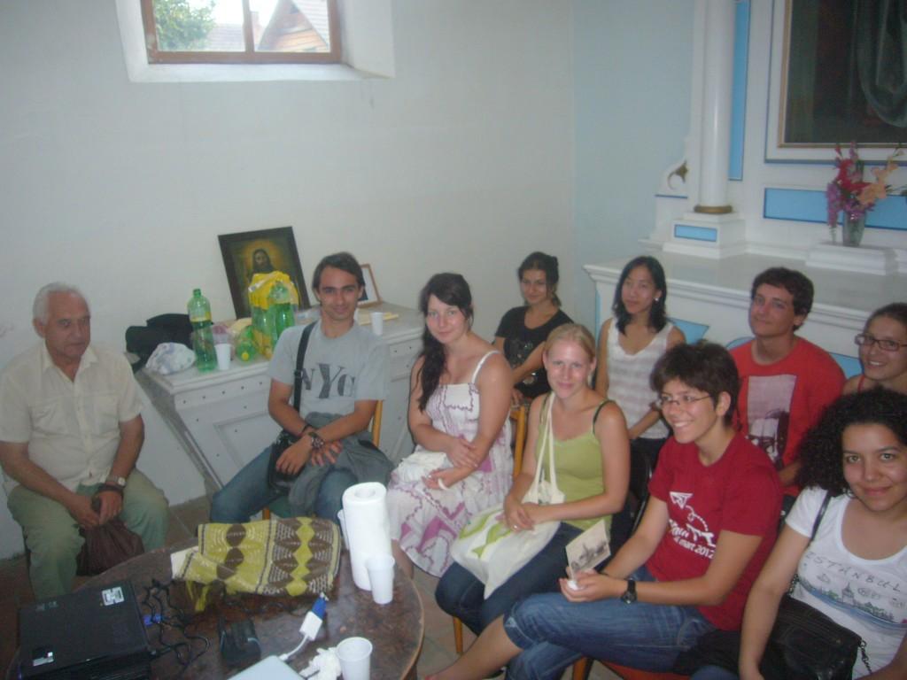 Mezinárodní dobrovolníci ve Veselé